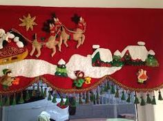 Resultado de imagen para cortinas navideñas con luces Christmas Valances, Christmas Rugs, Felt Christmas Decorations, Christmas Mom, Christmas Fabric, All Things Christmas, Christmas Lights, Holiday Crafts, Holiday Decor