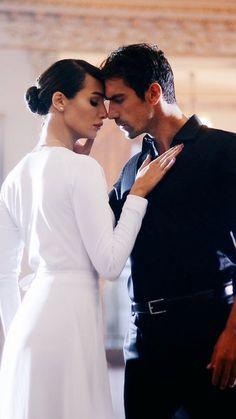 Turkish Women Beautiful, Turkish Beauty, Gorgeous Men, Beautiful People, Beautiful Pictures, Mejores Series Tv, Black And White Love, Romantic Scenes, Turkish Actors