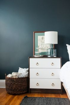 Gorgeous wall color fo a bedroom || @cydconverse Home Tour featuring @valsparpaint