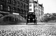 Nämä historialliset kuvat näyttävät, millaista elämä oli Tampereella 1890–1986 – uskomaton arkisto avautui - Hyvä elämä - Aamulehti Louvre, Street View, Building, Travel, Art, Art Background, Viajes, Buildings, Kunst