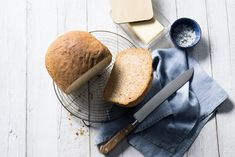 Rye Bread Recipe - Make it with our new Panasonic Breadmaker Crustina, that can bake bread with a delicious crust. Pan Bread, Bread Baking, Rye Bread Recipes, Tasty, Yummy Food, Creative Food, Brunch, Fresh, Breakfast