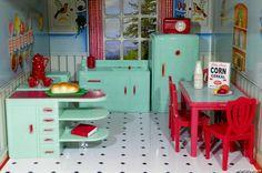 Plasco Jaydon Renwal KITCHEN SET Extras Vintage Dollhouse Furniture Ideal Marx . Lex has this set in her tin dollhouse.