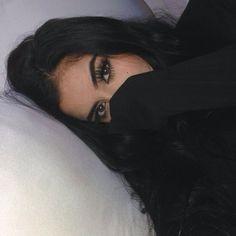 ✩ & more ★ https://fr.pinterest.com/miaprimeau/ #beauty #black
