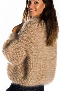 Fluffy Sweater, Mohair Sweater, Wool Sweaters, Knitwear Fashion, Knit Fashion, Fashion Outfits, Lace Knitting Patterns, Knitting Designs, Jumpers For Women