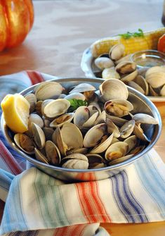 My Hubby's Beer-Steamed Littleneck Clams are so good dipped in melted butter! Plus, I'm sharing his tips for how to clean clams. It's fun to have a mini clambake at home! (This post is sponsored by Nestlé Waters North America. I will be compensated and have received gift certificates to purchase Tradewinds Slow-Brewed Iced Tea. I only promote products I love, and all opinions are mine.) I married a New Englander, so he's always known how to cook clams. I, on the other hand, gr...