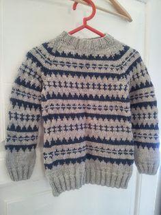 Islandsk sweater. Opskrift fra Knit for you kid. www.loekkeligheder.blogspot.dk Knitting For Kids, Crochet For Kids, Baby Knitting, Knit Crochet, Knit Baby Sweaters, Boys Sweaters, Sweater Knitting Patterns, Knit Patterns, Sweater Cardigan