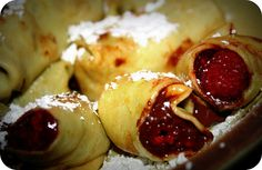 Pin It Although I have written out a lot of steps, this is a VERY simple recipe (and as you'll come to learn, I only like simple recipes) . Nutella Crepes, French Crepes, Chocolate World, Simple Recipes, Recipe Box, Blame, Brunch Recipes, Raspberry, Easy Meals