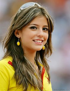 28 Reasons Why Every Guy Should Attend the World Cup [hint--babes] Beautiful Smile, Beautiful Women, Hot Fan, Spanish Girls, Meet Women, Football Girls, Soccer Girls, Soccer Fans, Football Fans