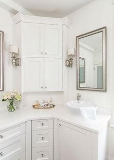 White bathroom design inspiration. Curved Cabinets, Bathroom Renovation, Master Bathroom Design, Bathroom Corner Cabinet, Bathrooms Remodel, Bathroom Makeover, Diy Bathroom Remodel, Corner Bathroom Vanity, Transitional Bathroom