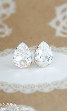 Swarovski clear crystal stud earrings | teardrop earrings | bridal earrings | bridesmaid earrings | crystal earrings | www.endorajewellery.etsy.com