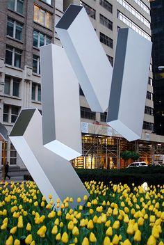 Rafael Barrios Sculptures on Park Avenue from nyclovesnyc.blogspot.com