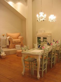 Ahhh! Why Aren't There More Spas and Nail Salons Like These? See More at thefrenchinspiredroom.com