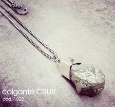 Colgante CRUX con Piedra Pirita - THE ASTRAL PLANE    by môla.-