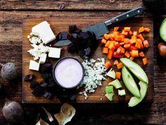 Avokado ja fetajuusto antavat rosolliin uutta twistiä.