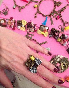 Bisutería La Gata Turulata Bracelets, Jewelry, Fashion, Scrappy Quilts, Gatos, Moda, Jewlery, Jewerly, Fashion Styles