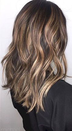 Cool 44 Hot Brunette Balayage Hairstyle Ideas https://stiliuse.com/44-hot-brunette-balayage-hairstyle-ideas