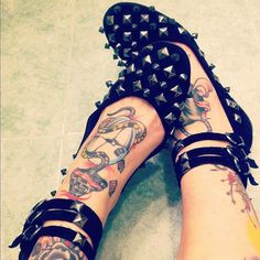 Grunge Ballet Flats with Metal Spikes - http://ninjacosmico.com/9-fashion-tips-pastel-grunge/