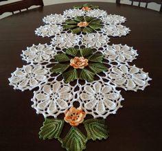 Crochet Mandala, Filet Crochet, Crochet Designs, Soft Furnishings, Burlap Wreath, Doilies, Christmas Wreaths, Crochet Earrings, Holiday Decor