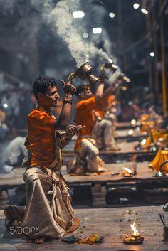 India culture Diy Craft Table fold down craft table diy Indian Photography, Amazing Photography, Street Photography, Travel Photography, Levitation Photography, Yoga Studio Design, Varanasi, Yoga Inspiration, Essence Of India