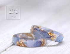 Zarter Ring mit blauer Hortensie und Goldakzenten / tiny and elegant ring, blossom and gold by Viviannaschmuck via DaWanda.com