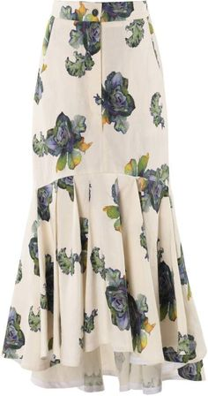 Floral-Print Slik-Blend Midi Skirt by Lake StudioGet inspired and discover Lake Studio trunkshow! Shop the latest Lake Studio collection at Moda Operandi. Lake Studio's midi skirt is cut from an airy silk and linen-blend that's mermaid patterned with Midi Flare Skirt, Pleated Midi Skirt, Dress Skirt, Modest Fashion, Hijab Fashion, Fashion Dresses, 70s Fashion, Fashion Styles, Womens Fashion