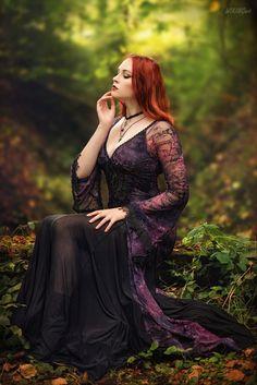 Revena The Gothic Beauty Gothic Girls, Hot Goth Girls, Dark Beauty, Goth Beauty, Dark Fashion, Gothic Fashion, Romantic Goth, Gothic Models, Goth Women