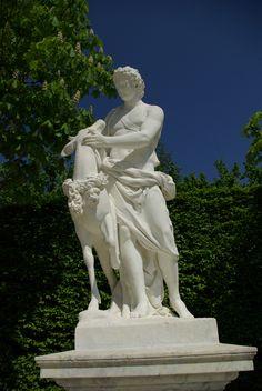 """Statue """"Cyparisse Caressant son cerf"""" Château de Versailles, France"""