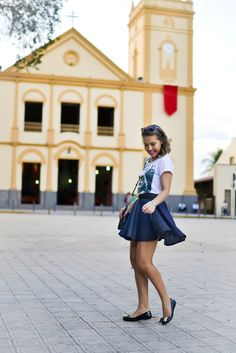 Vinis e outras coisas: Look: T-shirt + saia godê jeans