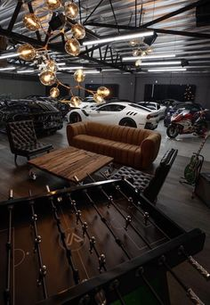 Awesome Industrial Style Decor Designs That You Can Create For Your Urban Living Space Apartment Industrial Design – garage Garage House, Man Cave Garage, Dream Garage, Car Garage, Man Cave Basement, Mechanic Garage, Motorcycle Garage, Garage Shop, Man Cave Diy