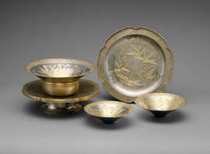Service with Decoration of Flowers and Birds was created around late 13th–early 14th century in the Southern Song. The form and decorations on this tableware is solely Chinese where in the Tang Dynasty, people were inspired by outside ideas and forms.