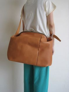 "macromauro マクロマウロ ""ganma""がま口ショルダーバック キャメル - tity Rare Clothing, Exquisite Corpse, Leather Crossbody Bag, Crossbody Bags, Frame Purse, Leather Design, Pouch, Handbags, Stiles"