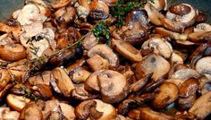 Pork Loin with Roasted Fingerling Potatoes with Sour Cream Herb Sauce & Sauteed Mushrooms with Fresh Thyme Mushroom Side Dishes, Mushroom Dish, Vegetable Side Dishes, Mushroom Recipes, Rib Recipes, Italian Recipes, Cooking Recipes, Marinated Mushrooms, Sauteed Mushrooms
