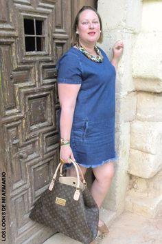 Trendy Curvy - Plus Size Fashion BlogTrendy Curvy www.loslooksdemiarmario.com Brown Lace Up Primark troqueladas Denim Dress ASOS summer 2016 talla grande Plus Size. LOOKS CASUALS CURVY. Look de verano#loslooksdemiarmario #verano #summer #lookverano #denimdress #vestidovaquero #lookvestidovaquero #asos #denim #laceup #navy #navylook  #look  #lookverano #lookcasual #lookschic #tallagrande #curvy #plussize #curve #fashion #blogger #madrid #bloggercurvy #personalshopper #curvygirl
