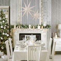 Winter wonderland Christmas dining room | Traditional Christmas decorating ideas | housetohome.co.uk