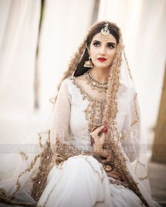 Asian Wedding Dress Pakistani, Beautiful Pakistani Dresses, Pakistani Bridal Makeup, Pakistani Fashion Party Wear, Bridal Mehndi Dresses, Nikkah Dress, Shadi Dresses, Wedding Dresses For Girls, Bridal Outfits