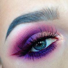 dramatic wedding makeup Lila Augen Make-up - Wunderschnes Augen Make-up fr . Dramatic Eye Makeup, Purple Eye Makeup, Beautiful Eye Makeup, Colorful Eye Makeup, Eye Makeup Art, Eye Makeup Tips, Cute Makeup, Pretty Makeup, Makeup Inspo