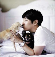 "Lee Joon Gi and his two dogs ""J"" and ""K"""