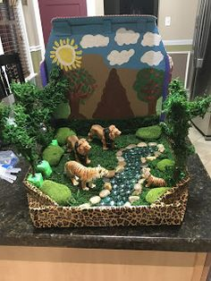 Kindergarten Science Projects, Classroom Art Projects, Science Projects For Kids, Art Classroom, School Projects, Kids Crafts, Rainforest Project, Rainforest Crafts, Dinosaur Diorama