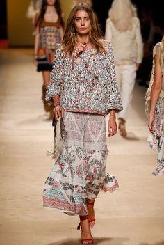 Одежда в стиле «бохо»: фото юбок и платьев, модные образы в стиле «бохо»
