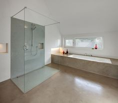 Neubau WH E (2012) Loft Bathroom, Home Grown Vegetables, Bad Inspiration, Kitchen Lighting Fixtures, Kitchen Doors, Blinds For Windows, Types Of Houses, Living Room Designs, Bathtub