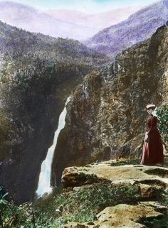 These psychedelic old photos lured tourists to Norway Norwegian People, Scandinavian Countries, Midnight Sun, My Heritage, World History, Vintage Images, Old Photos, Psychedelic, Travel Photos