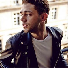 Canadian filmmaking wunderkind Xavier Dolan is the new face of Louis Vuitton. Xavier Dolan, Daddy's Home, New Face, Cute Boys, Hot Guys, Chef Jackets, Handsome, Men Casual, Actresses