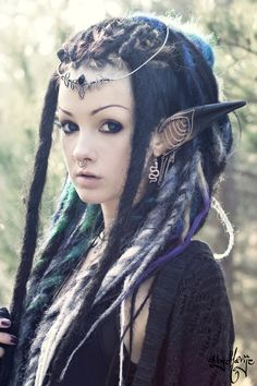 "*not steampunk but awesome post of the day : psychara: ""Photo by byMarije Head jewelry by A Curious Tale Elf ear cuffs by Kunoichi Creations Long dreads by IcyDreads "" Elf Costume, Costume Makeup, Cosplay Costumes, Elf Cosplay, Pirate Costumes, Cosplay Ideas, Elf Ear Cuff, Ear Cuffs, Long Dreads"