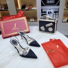 Rene Caovilla Shoes, Fashion, Moda, La Mode, Fasion, Fashion Models, Trendy Fashion