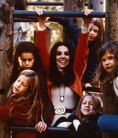 Free to Be You and Me - Marlo Thomas reflects on the 40 year anniversary. Marlo Thomas, Danny Thomas, Harry Belafonte, Shirley Jones, How To Be Likeable, Diana Ross, Kids Writing, Photo Archive, Popular Culture