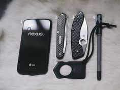 October 2014 EDC Purse Dump   More Than Just Surviving   Survival Blog   Preppers & Survivalists   Gear & Knives
