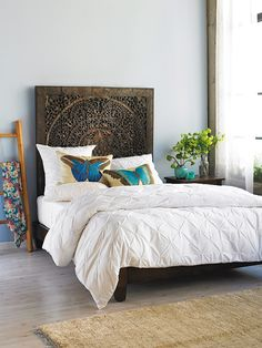 Lotus bed with Tuck-Me-In bedding from @VivaTerra | Organic Dreams via Organic Spa Magazine