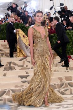 Met Gala 2018 Dresses: All the arrivals on this year's red c.- Met Gala 2018 Dresses: All the arrivals on this year's red carpet Met Gala 2018 Dresses: Red Carpet Arrivals Glamorous Dresses, Beautiful Dresses, Nice Dresses, Celebrity Red Carpet, Celebrity Style, Irina Shayk Style, Irina Shayk Dress, Celebrity Wedding Dresses, Red Carpet Gowns
