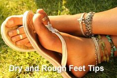 pretty anklets and toe rings. love the sandals Anklet Designs, Summer Feet, Pink Summer, Dry Skin Remedies, Female Feet, Ankle Bracelets, Ankle Jewelry, Feet Jewelry, Jewelry Box