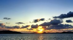25  Sept. 17:57 日の入り近づく博多湾です。 before sunset  ( Evening Now at Hakata bay in Japan)